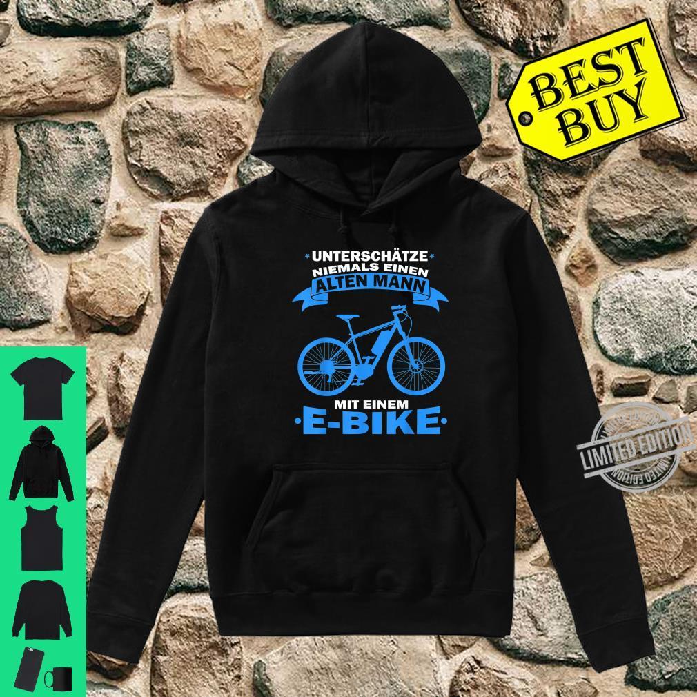 Herren Unterschätze niemals einen Alten Mann mit einem E Bike Shirt hoodie