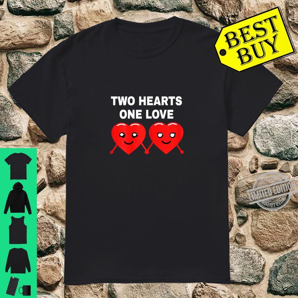 TWO HEARTS ONE LOVE Herz Lustig Spruch Geschenk Idee Bild Shirt